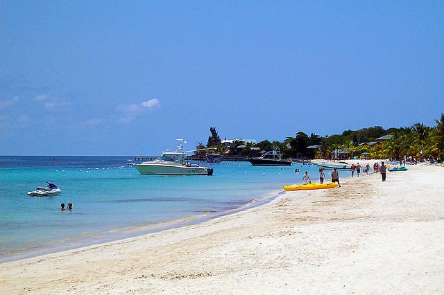 Roatan Beach beckons weary freelance travel copywriter